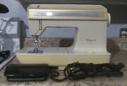 Singer Futura Ii 920 Vintage Sewing Machine W Foot Pedal And Case Tested Works
