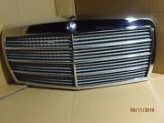 Mercedes Benz Grill With Hood Release - 126 Chassis 1981-1991 Oe