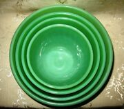 Jadeite Set Of 4 Nested Swirl Bowls Ranging From The 6 7 8 To 9 Sizes Ofkw