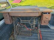 Vintage Singer Sewing Machine In Manual Pedal Cabinet Stand