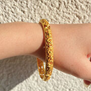 22 Kt Real Solid Yellow Gold Engraved Handmade Womenand039s Bracelet Bangle 25 Gm