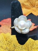 Vintage Estate Jewelry 14k Yellow Gold And Large Pearl Flower Burst Cocktail Ring