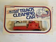 Life Like 8184 Ho Scale Great Northern Tank Car Train Track Cleaning Car