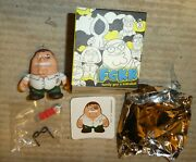 Kidrobot Family Guy Black Eye Peter Boxed Card Accessories New