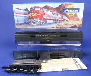Athearn Ho Scale Western Pacific 137 Rea Baggage Car Kit 2515