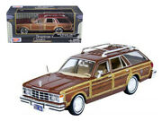 1979 Chrysler Lebaron Town And Country Burgundy 1/24 Diecast Model Car By Motorm
