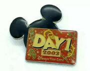 Disney Visa Card Day 1 2003 Cardmember Gift Pin - Limited Edition Mickey Mouse