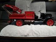 Vintage Buddy L Wrecker Truck In Nice Condition - Rubber Tire Version