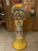 Wiz-kid Spiral Gumball Machine, Yellow, Clear Track Color, 25 Cents Coin Mech