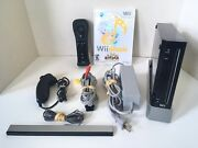 Black Nintendo Wii System Bundle With Remote Nunchuck And Game Good Condition