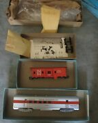 Athearn Ho New Haven Streamline Rpo Car And Nh Bay Window Caboose -vintage