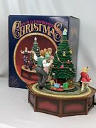 Enesco An Old-fashioned Christmas Musical Box Plays We Wish You A Merry Xmas