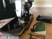 1955 Singer Featherweight Sewing Machine, Condition 9.5/10 , Case Key++