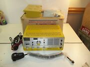 Vintage N.o.s Robyn T-240d The Executive 40 Ch Cb Base Yellow Bird