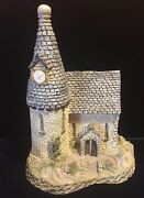 David Winter Cottages At The Center Of The Village Chapel Boxed Coa
