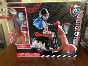 Monster High Doll Nrfb Ghoulia Yelps