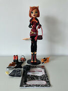 Monster High Toralei First Wave Doll And Maul Session Fashion Pack