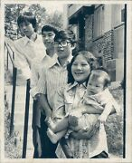 1978 Photo Vietnam War Refugees Home New American Family Dung Hung Minh People