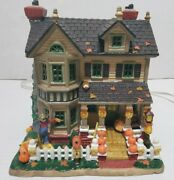 2005 Lemax Harvest Crossing Fall Comes Home Halloween Lighted House No Box Works