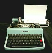 Vintage 1964 Typewriter Olivetti Lettera 32 Script Font With Case Italy