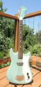 Vintage 1960and039s Silvertone Model 1413 Electric Guitar W/gig Bag