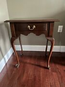 Ethan Allen Georgian Court Cherry Queen Anne Vintage Table With Drawer 11-9015.