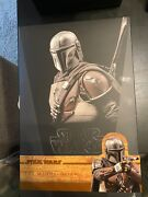 Hot Toys Star Wars The Mandalorian - The Mandalorian 1/6th Scale Collectible...