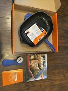 New Le Creuset Cast Iron Ovale Skillet 12 2/3 Cobalt Blue New In Box Extras