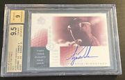 2001 Tiger Woods Rookie Sp Authentic Sign Of The Times Bgs 9.5/9 Rc 15/65 Red