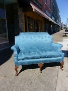 Fine Queen Anne Settee With Chinoiserie Fabric 20th Century