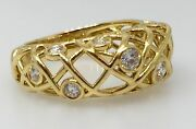 Hearts On Fire Brocade Right Hand Diamond Ring In 18k Yellowgold - Hm1248sa