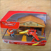 Disney Planes Ishani Pit Row Gift Pack With Pitty Tent And Flag Diecast Set India