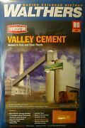 Walthers Ho 933-3098 Valley Cement Plant Kit Form