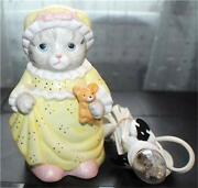 Vintage 1989 Schmid Kitty Cucumber Porcelain Cat In Nightgown 5 1/2h Night Lamp