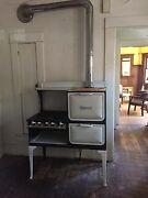1920and039s Wedgewood Stove Queen Anne Style. Refurbished In Great Condition.