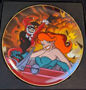 Warner Bros Signed By 3 Harley Quinn And Poison Ivy Collectors Plate Batman Statue