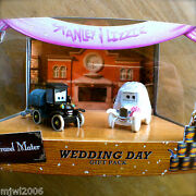 Disney Pixar Cars Stanley And Lizzie Wedding Day Time Travel Mater Diecast 2-pack
