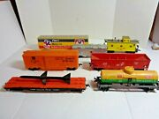 Lot Of 7 H.o. Scale Freight Cars Including Du Pont Tank Car