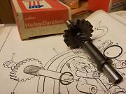 Aermacchi Ss Sx 175-250 New Old Stock/new In Box Oil Pump Shaft 26210-74p