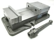 Kurt Anglock 8 Milling Machine Vise W/ Jaws And Handle - D80
