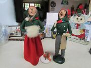 Lot Of 2 1984 Byers Choice Bumpy Base Man And Woman Carolers With Camp Fire