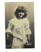 Md2573 Famous Traut Model As Cleaning Girl , Maid , Rppc