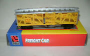 Life-like Trains Ho Scale Train Freight Car Union Pacific Up 476336 Cattle Stock