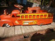 Vintage 1940s Marx Vfd Ride On Pressed Metal Red Fire Truck W/bell + 2 Ladders