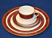 New Spode Bone China England Gold Decor Bordeaux Y8594 5 Pieces Place Settings