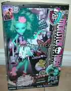 Monster High Frights Camera Action Hauntlywood Series Honey Swamp 1st Edition