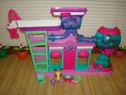 Littlest Pet Shop Play Set Sweet Delights Sweet Shoppe House. Great Condition.