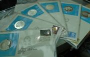 1975 - 77 United Nations Official Silver Proof Medal Cover With Stamps In Sleave