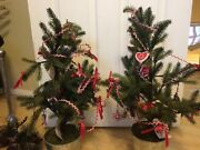 Hallmark Lot 2 Xmas Holiday Trees In Pots W/ Cookie Ornaments Display