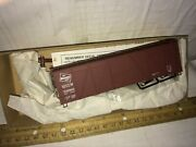 Accurail Kit Ho Scale  Milwaukee Road 40 Ft 6 Panel Wood Box Car